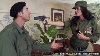 militar putita con ganas de polla